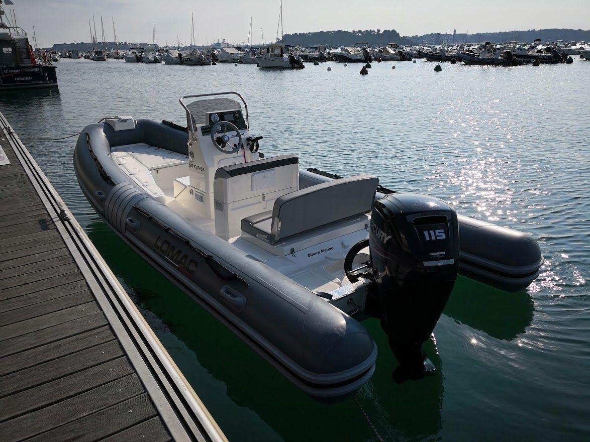 Location de bateau à moteurs et semi-rigides chez DINARD MARINE