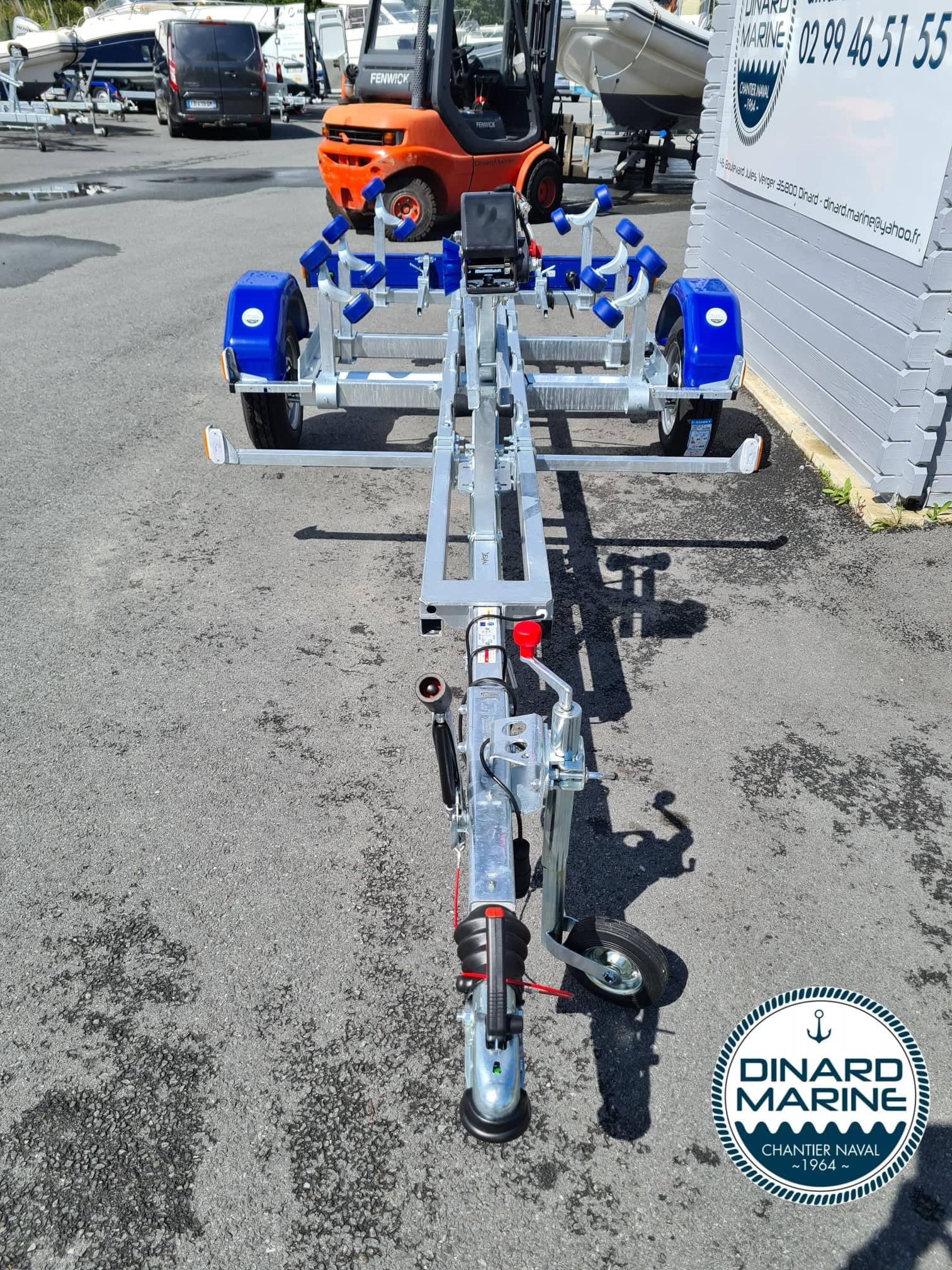 tete d'attellage Remorque Sun Way SW845 PTAC 1200 Kg disponible en stock chez DINARD MARINE