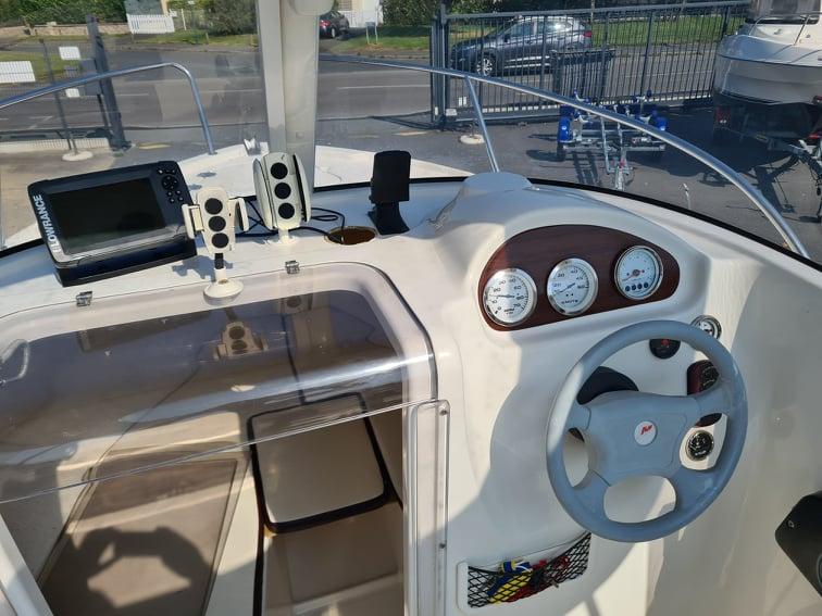 Quicksilver 530 Pilothouser avec Suzuki 60Cv d'occasion à vendre chez DINARD MARINE en Bretagne 5