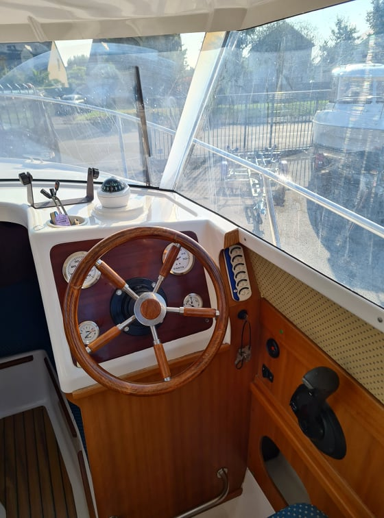 Quicksilver 670 Week-end disponible d'occasion chez DINARD MARINE en Bretagne 12